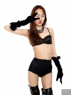 2017-01-28 Salina Pun black bra, girdle, opera gloves and patent leather thigh boots