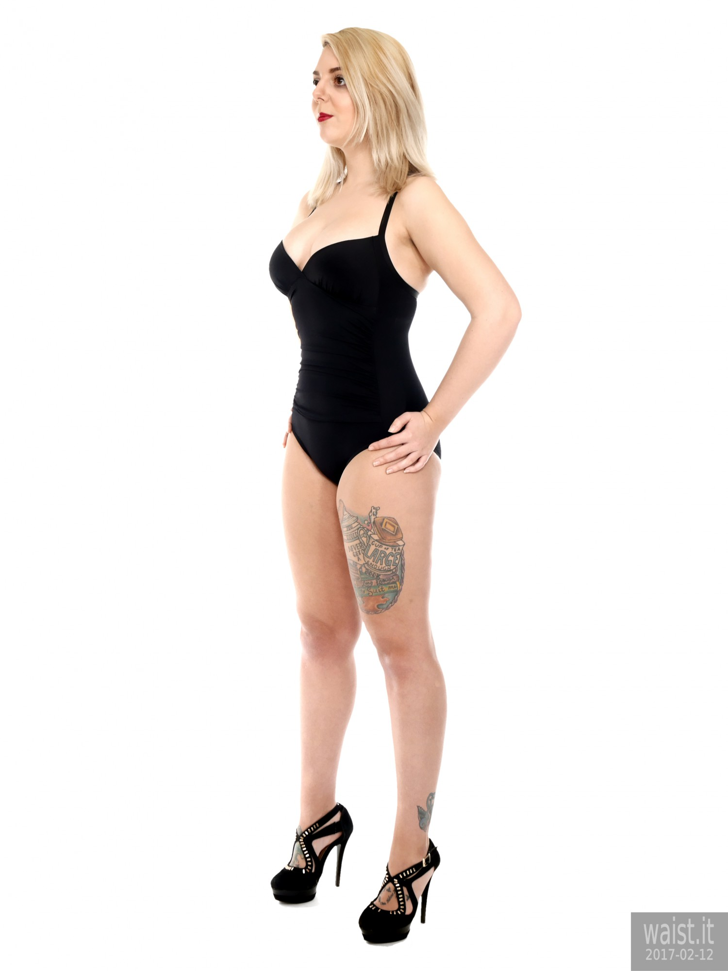 2017-02-12 Pixiee-Lou in black one-piece swimsuit for fitness set