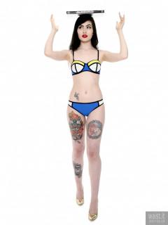 2017-02-18 Alexa Rose fitness session in multicoloured Chinese bikini