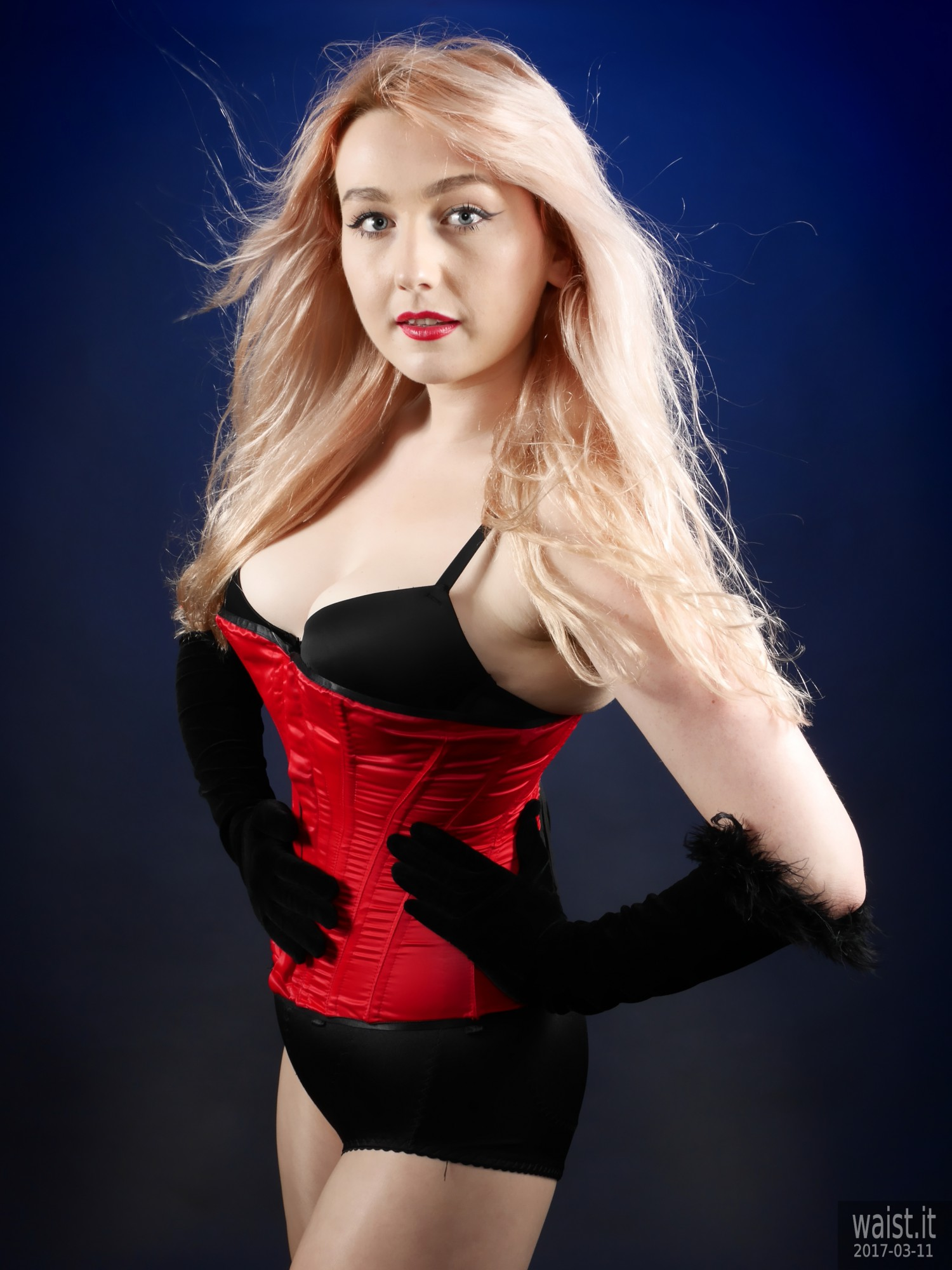 2017-03-11 LilyAmber bra,,style210 grdle and red Vollers overbust corset