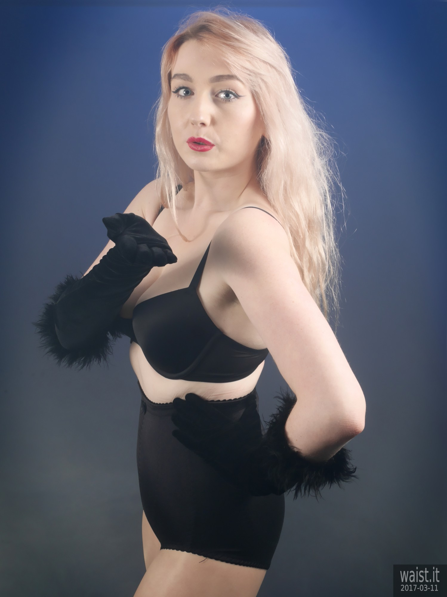 2017-03-11 LilyAmber bra and style 210 pantie girdle