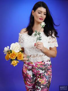 2017-04-09 Imogen white top and multi coloured capri pants