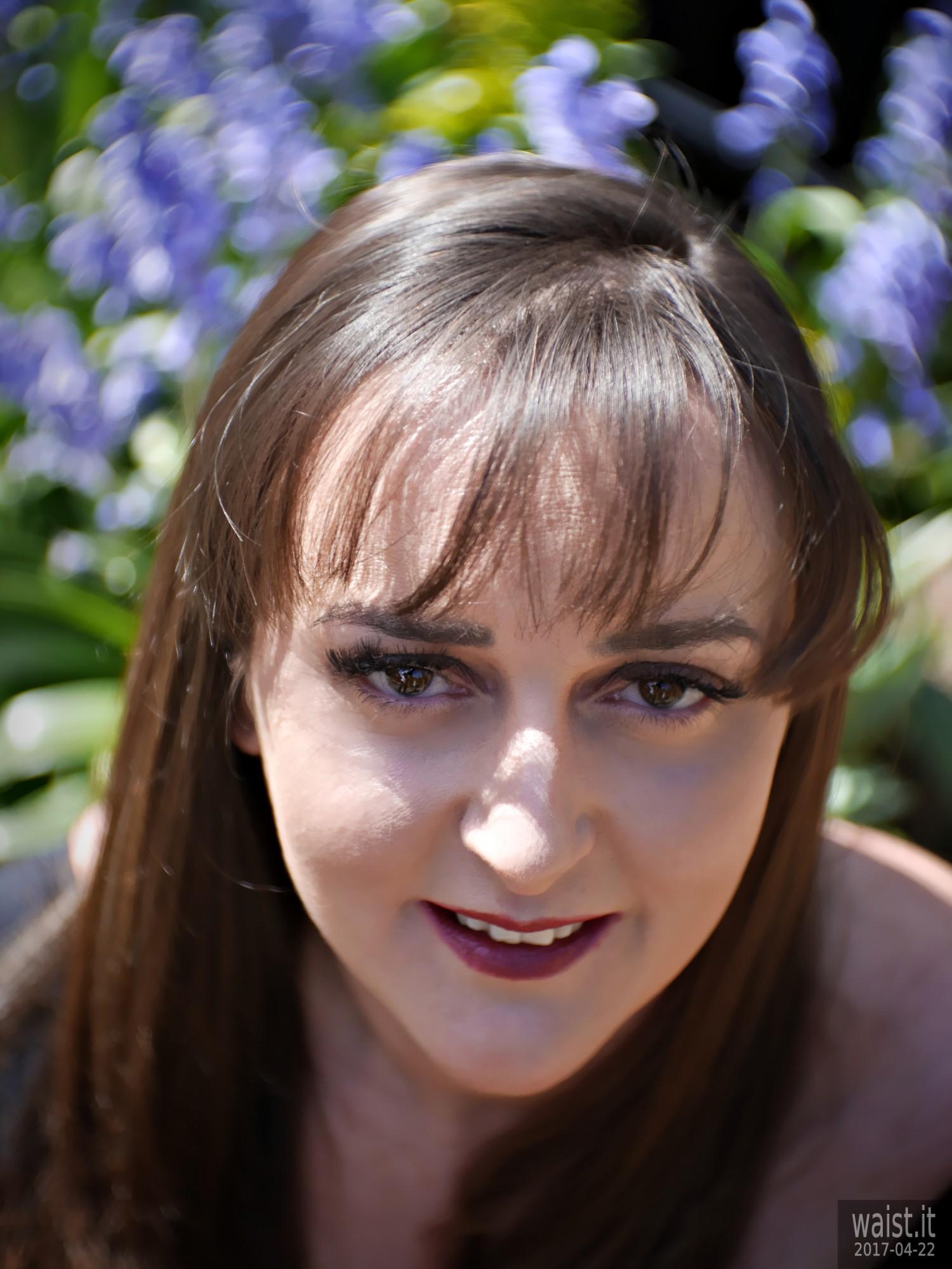 2017-04-22 Patsy headshot with Petzval type lens