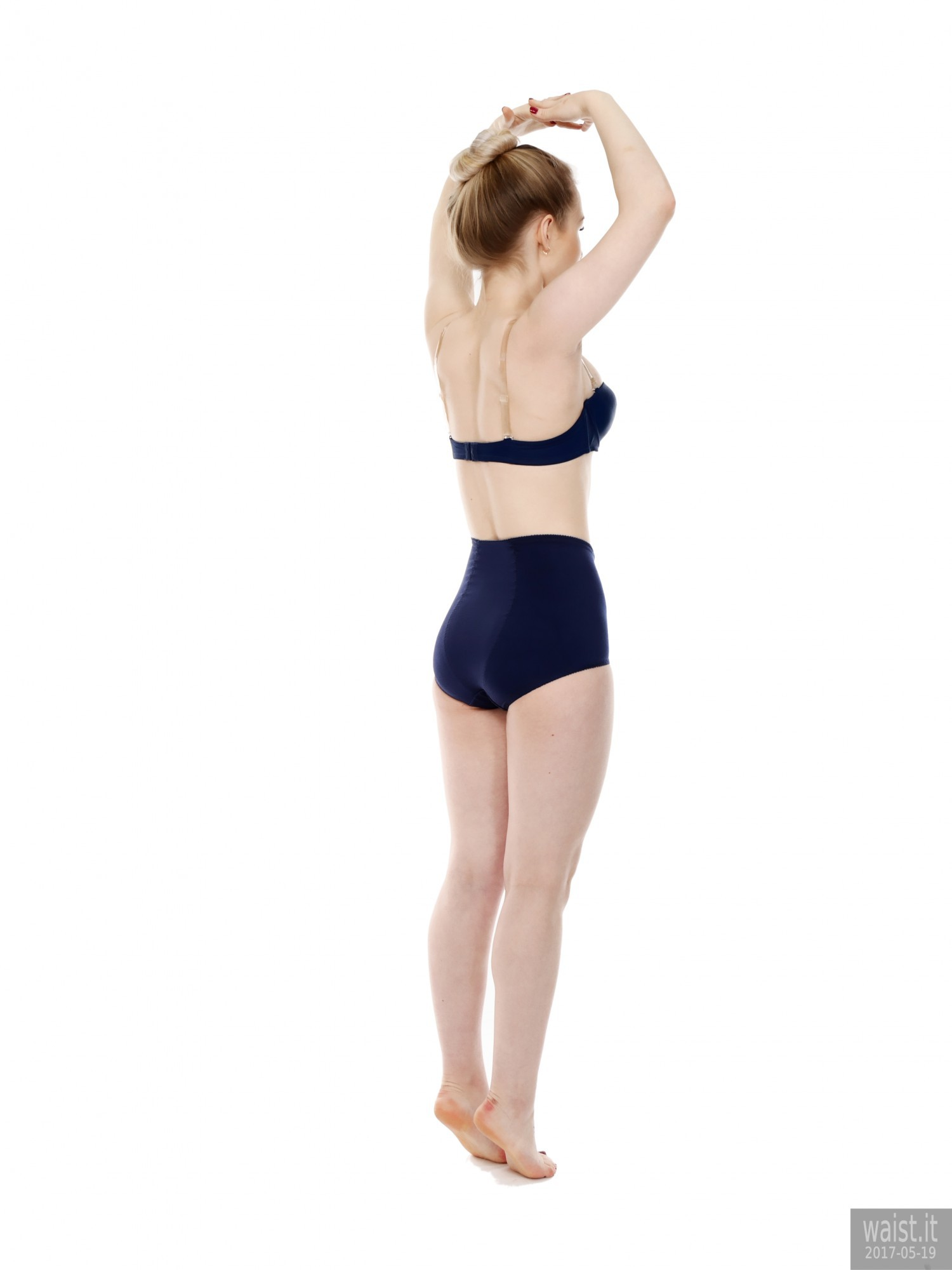 2017-05-19 Laura Sele blue Chinese bra and 1960's style pantie girdle
