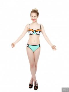 2017-05-19 Laura Sele multi-coloured neoprene bikini