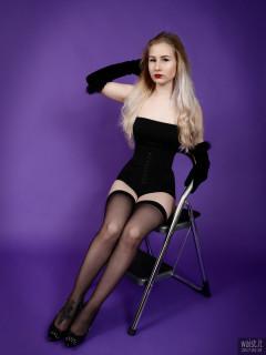 2017-05-19 Laura Sele black longline strapless bra, high-waisted hook-and-eye pantie girdle and stockings