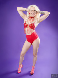 2017-06-10 Dayna Nirvana in red jewelled dance top and Chinese pocket girdle worn as hot pants