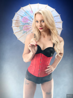2017-08-15 Jade-Lauren in tightly laced red underbust corset, over black long-line bra and tight black Chinese pantie girdle, worn as hot-pants