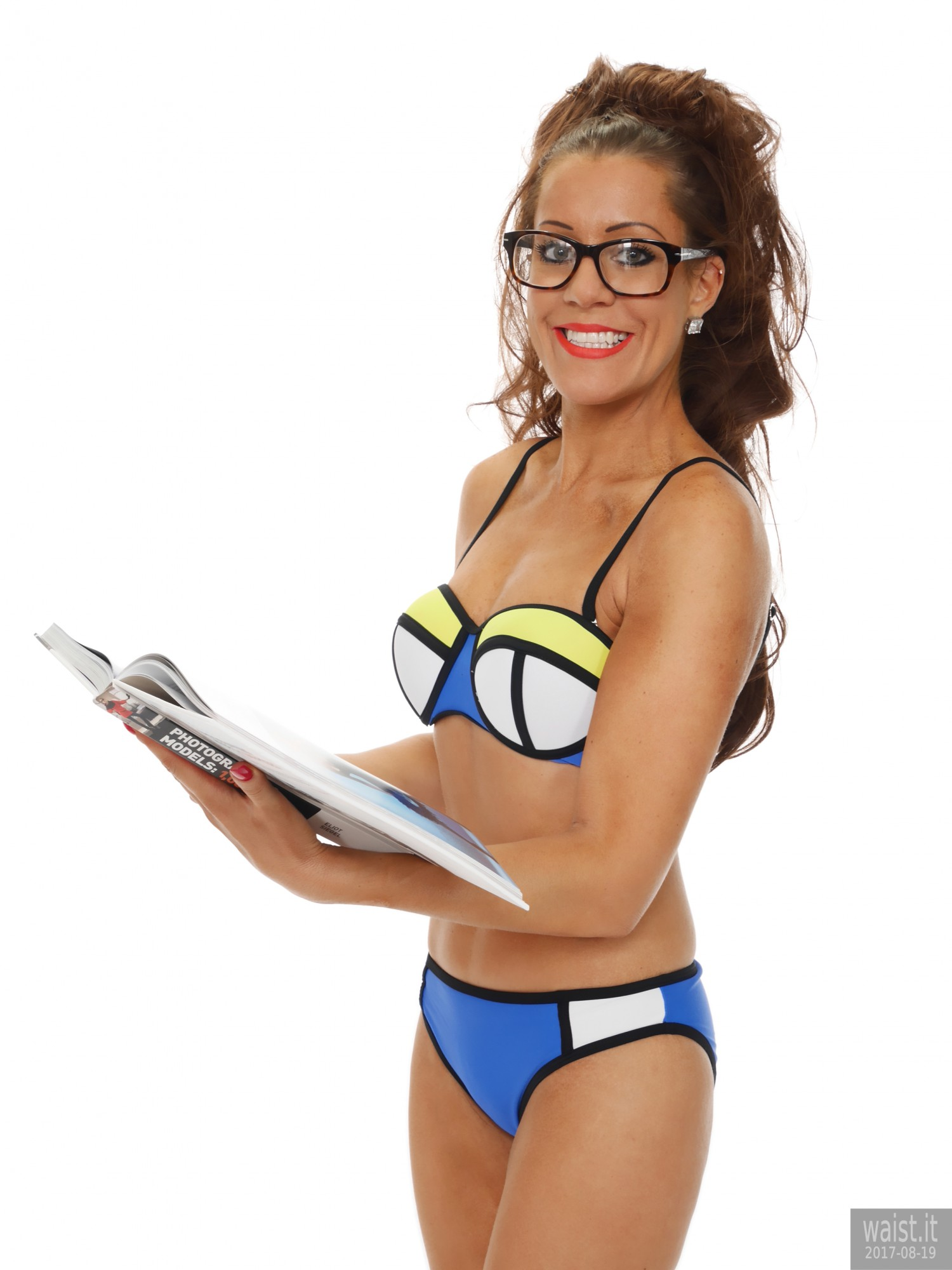 2017-08-19 Natty Badger fitness set in neoprene bikini