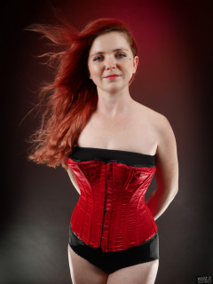 2017-09-17-lj-red vollers overbust corset and style210 pantie girdle worn as hotpants