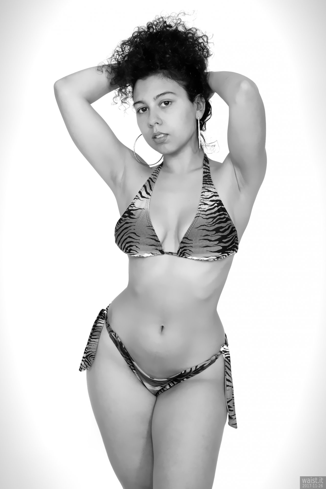 2017-11-26 Stephy Samer fashion shoot - in her own tie-side bikini