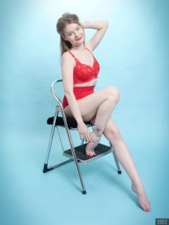 2018-02-03 Amy in red bra and pantie girdle