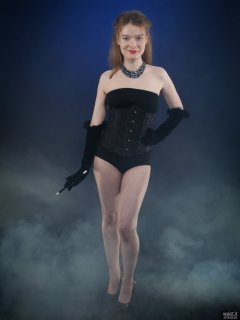 2018-02-03 Amy in black corset worn over black boobtube and black control briefs worn as hotpants