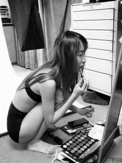 2018-02-24 Salina Pun make-up candid