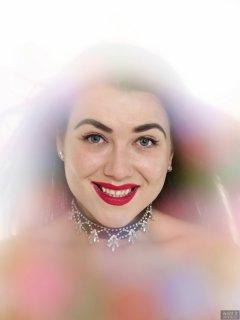 2018-06-15 Tatjana Bastet headshot through filter