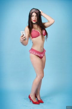 2018-06-15 Tatjana Bastet in red and white polka-dot bikini