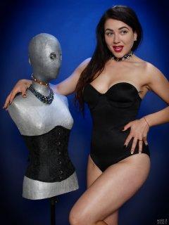 2018-06-15 Tatjana Bastet in black Miraclesuit bodyshaper