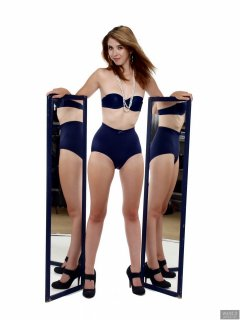 2018-07-25 Twinklenose, mirror shot, in matching blue bra and girdle