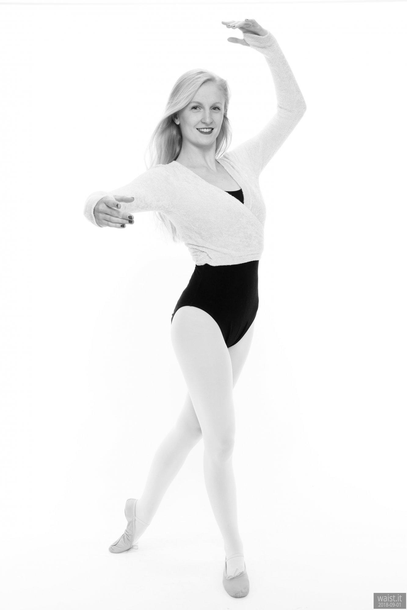 2018-09-01 Christina Elsom - in her own black leotard and pink dance top and ballet pumps