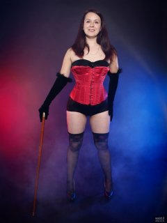 2018-10-21 Darya (DaryaM) in red Vollers oerbust corset worn over black boob-tube and high-waisted, black, Chinese control briefs worn as hotpants