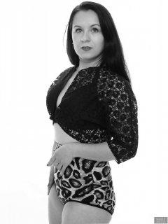 2018-10-21 Darya (DaryaM) in lace bolero top and leopard print pantie girdle worn as hotpants