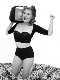2018-11-04 Sophie Pixie with vintage Ferguson radio, in black bolero posture top, black strapless bra and black control briefs worn as hotpants