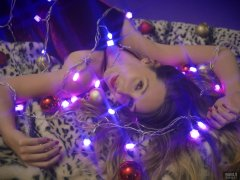 2018-11-17 Madame Cerise wrapped in AC-driven LED fairy lights during her Christmas Shoot