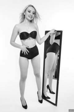 2019-01-12 Domii mirror shot, wearing matching blue bra and blue pantie girdle