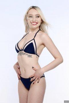 2019-01-12 Domii in retro style blue bikini