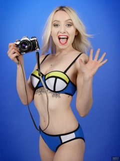 2019-01-12 Domii in blue, yellow and white neoprene bikini