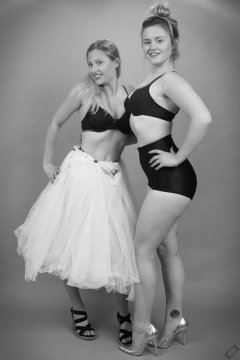 2019-05-04 Vintage foundationwear: Fabiene and CloEliza show what they wore under their dresses