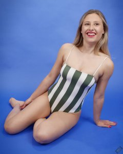 2019-05-04 Fabiene in her own vintage-style one-piece swimsuit
