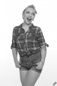 2019-05-25 KL Modelling - in her own lumberjack shirt and Daisy Dukes.