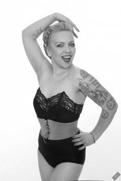 2019-05-25 KL Modelling - in black strapless-bra-top, tight black pantie-girdle and vintage leather corset belt, used to give her waist an extra squeeze