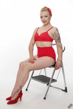 2019-05-25 KL Modelling - in bright red Chinese vintage-style bra and pantie girdle