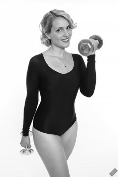2019-09-07 VZ-Retro - in vintage-style black long-sleeved leotard