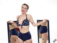 2020-01-18 Danni Moss in matching vintage blue bra and girdle