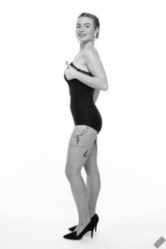 2020-01-18 Danni Moss in black strapless bra and waist-nipper control briefs
