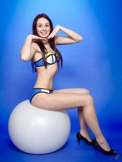 2020-02-02 Jessica Maria in blue neoprene bikini
