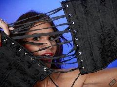 2020-03-08 LisaAnne corset shock!