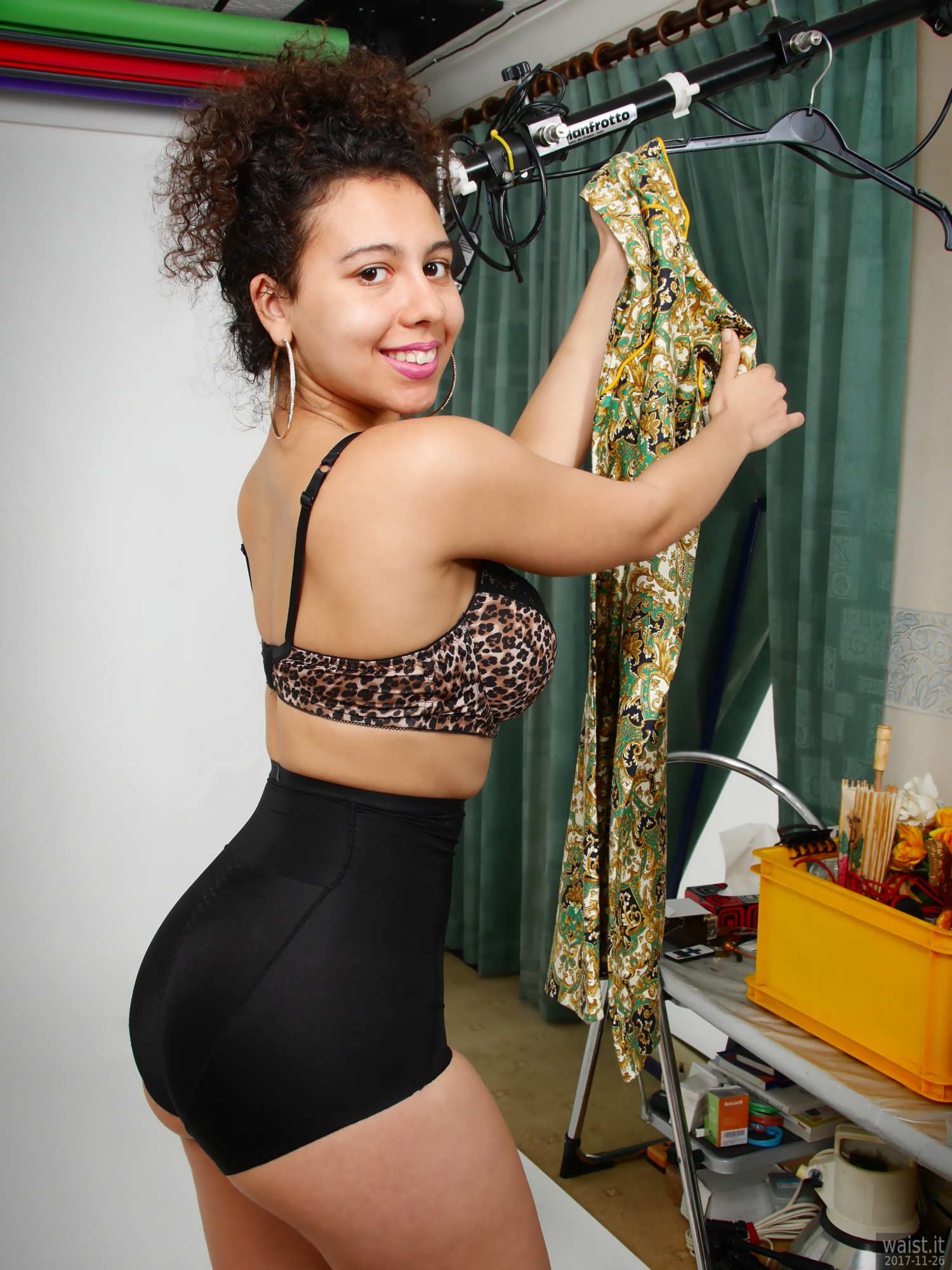 2017-11-26 Stephy Samer - showing off her fabulous figure in black animal-print bra and black, high-waist, firm-control, pantie girdle worn as hotpants