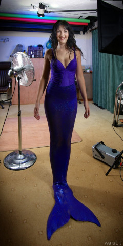 2015-09-18 Becki Lavender mermaid costume, outtake, studio long-shot