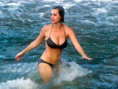 influences: Katy Perry bikini candid