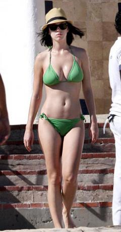 influences: Katy Perry green bikini candid