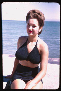 1950s amateur model in swimwear (slide)